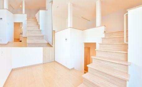 生活にリズムを与える段差のある室内設計